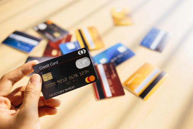Mở thẻ tín dụng online không tốn thời gian và tốn phí mở thẻ