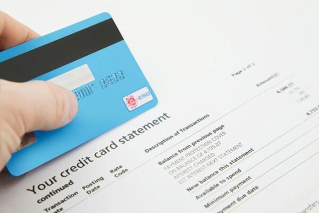 Việc giữ lại hóa đơn sẽ giúp bạn có minh chứng đối chiếu nếu không may có sai sót khi kiểm tra sao kê mỗi tháng