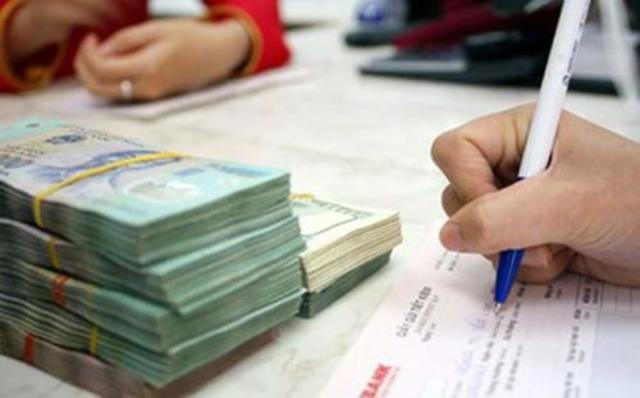 Hồ sơ sau khi được thẩm định, bên cho vay sẽ thông báo số tiền được vay, lãi suất, kỳ hạn vay và cách thức thanh toán